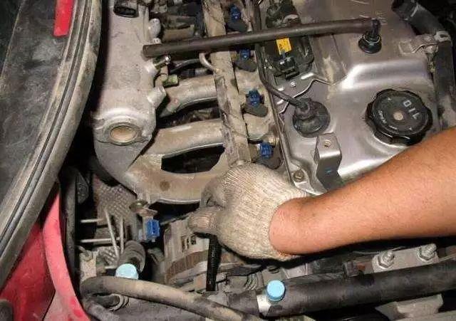 汽车领地:如何初步判断发动机异响的大致位置